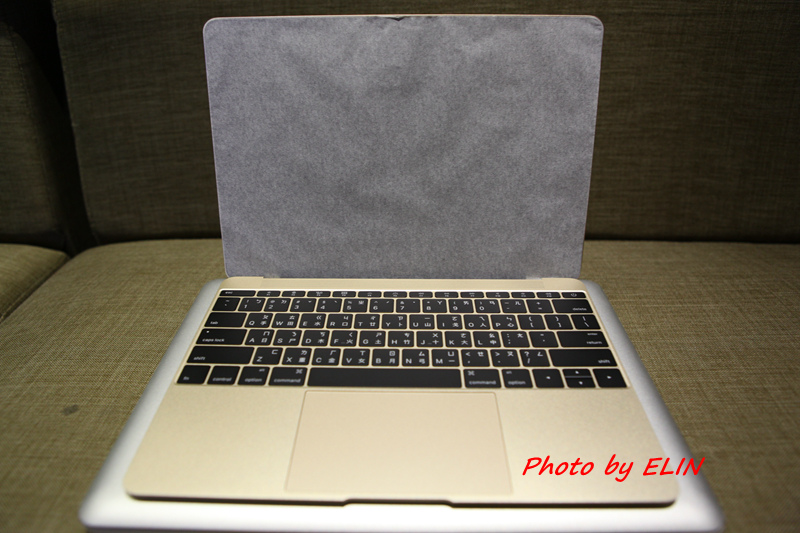 1050122-Apple MacBook-22.jpg