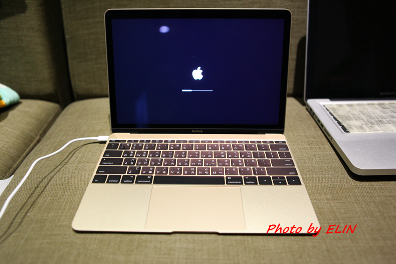 1050122-Apple MacBook-27.jpg
