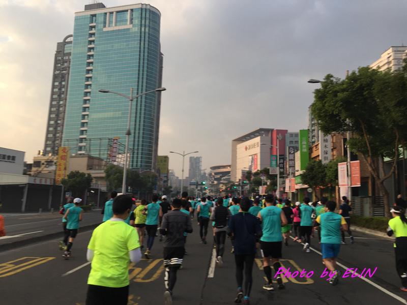 1060212-2017高雄國際馬拉松-7.jpg