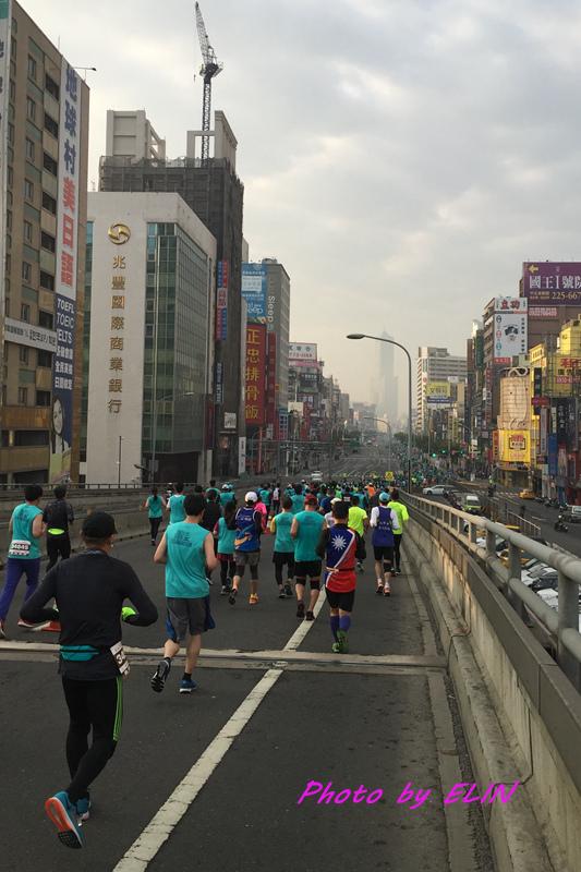 1060212-2017高雄國際馬拉松-9.jpg