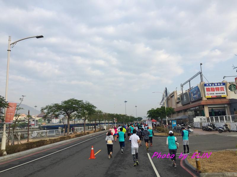 1060212-2017高雄國際馬拉松-10.jpg