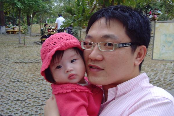 990214-Amber與爸比-澄清湖泡茶區.jpg