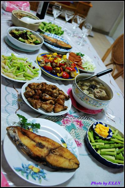990215-外婆煮的豐盛午餐.jpg