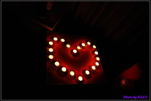 另一邊的愛心蠟燭.jpg