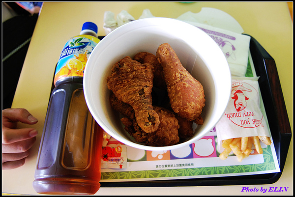 六塊雞全家餐.jpg