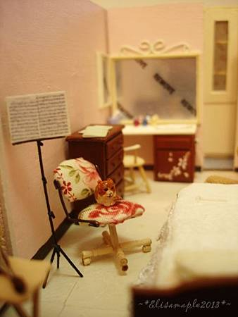 miniature bedroom 01