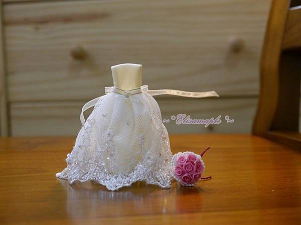 mini wedding gown 01.JPG