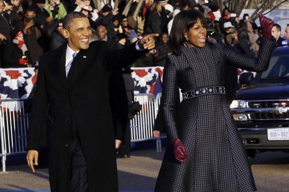 slider_obamas_walk