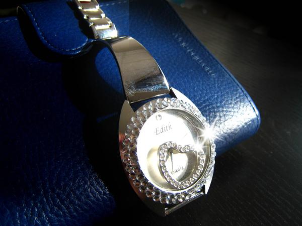 Bling Bling水鑚+鏡面墜飾可移動式手錶--甜美愛心款2.jpg