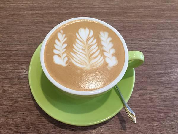 20171009咖啡樹 (1).JPG