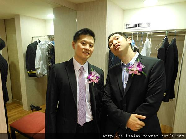 Two best man, tow style wearing