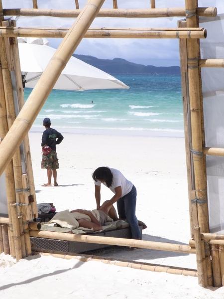 從TWO SEASONS的沙灘看出去.JPG