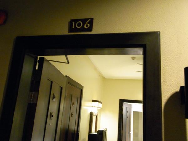 前兩晚住TWO SEASONS的106號房.JPG