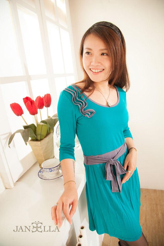 One Piece洋裝修身甜美氣質<土耳其藍> 品牌介紹JANEELLA