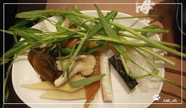 海角日式刷刷鍋~空心菜