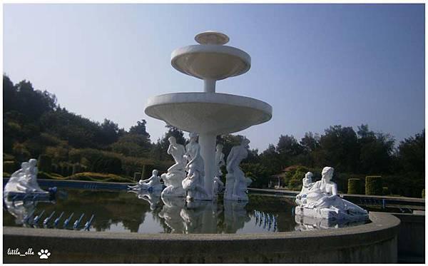 香格里拉樂園-噴水池.jpg