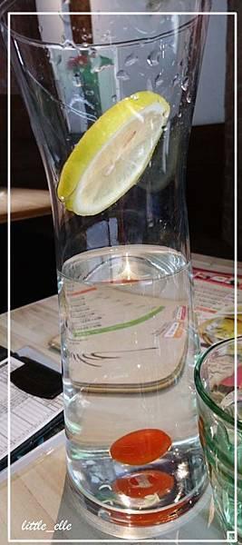米塔-水.jpg