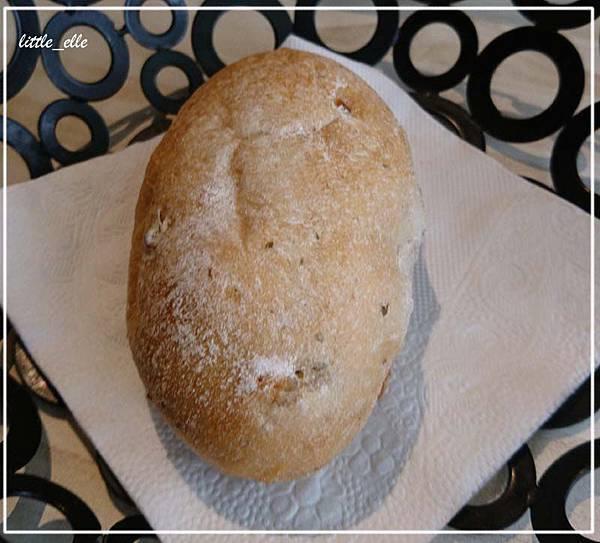 米塔-麵包.jpg