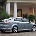 Ford_Mondeo_2007_Saloon_05.jpg
