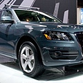 112_0902_07z+2010_audi_q5+front_three_quarter.jpg