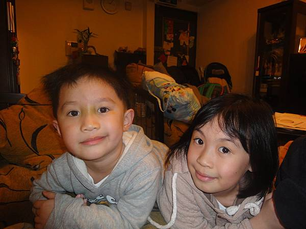 2011/3/13 兩姐弟