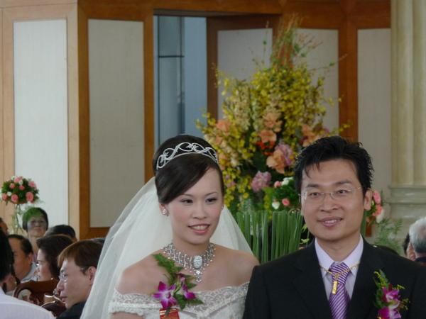 新郎叔叔新娘阿姨,要幸福喲!
