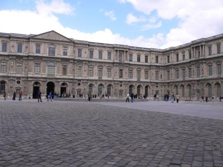 4-Louvre羅浮宮-2羅浮宮5-內院, 像故宮有很多內院.jpg