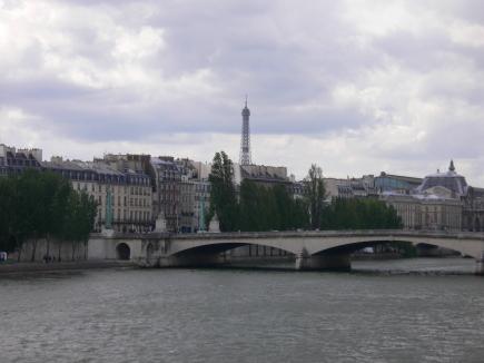 6-Seine塞納河-2遠眺巴黎鐵塔.jpg