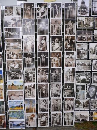 6-Seine塞納河-5河畔有趣的明信片,未滿18歲禁看.jpg