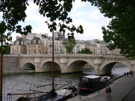 6-Seine塞納河-6塞納河上最老的橋, 名叫新橋.jpg