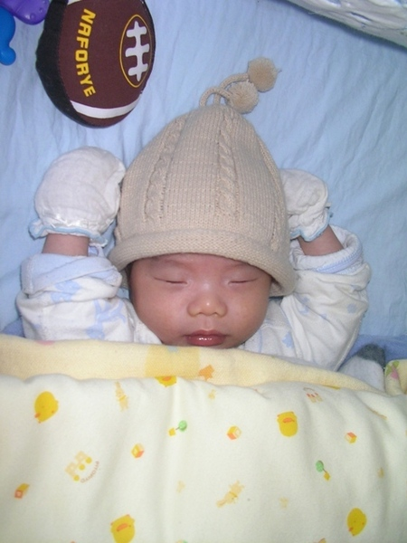 出生前買的帽帽