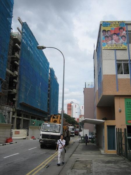 遠方是新加坡國宅