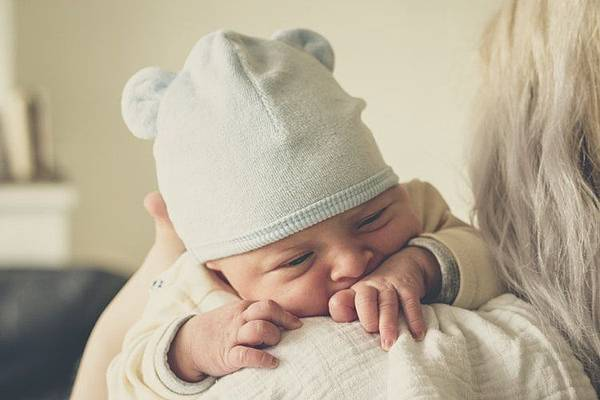新生兒照顧