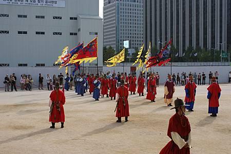 20081013--16景福宮-06興禮門-表演百官進場)