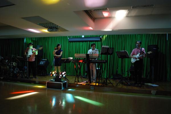 09-05-09 母親節音樂會@LLC (17).JPG