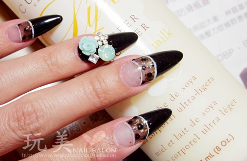 尖形水晶指甲+特殊飾品