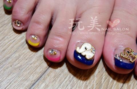 足部法式光療指甲+可愛大象>0<怎麼那嚜可愛