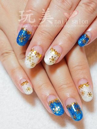 藍白跳色聖誕款光療凝膠指甲