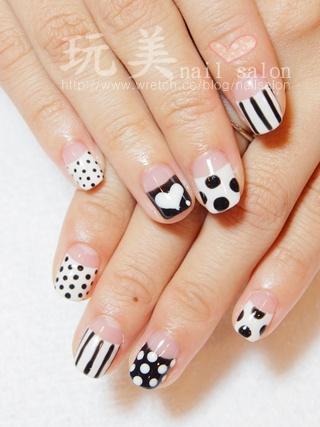 黑白可愛風格光療指甲