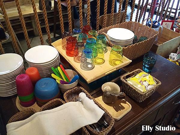 Elly-Studio8.jpg