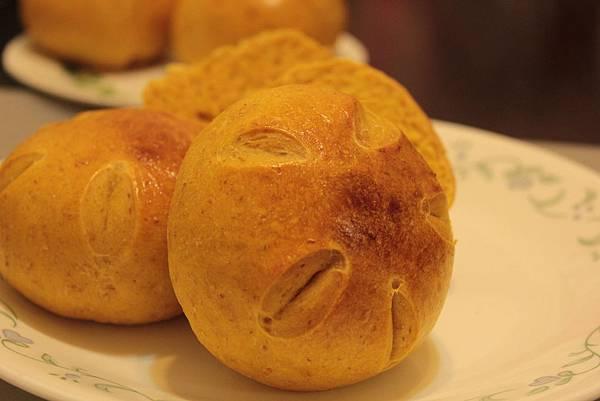 蜜薯乳酪麵包.JPG
