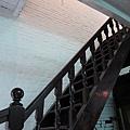 往2F的樓梯