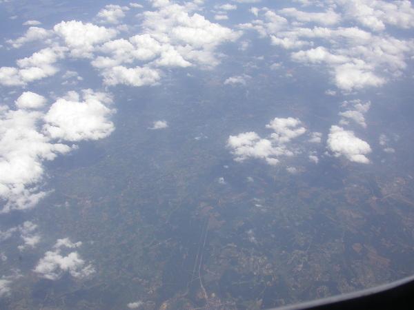 今天天氣很好,飛機又飛得不高,可以直接看到底下的島嶼~