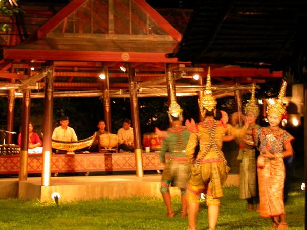 溫和版泰國傳統舞蹈~