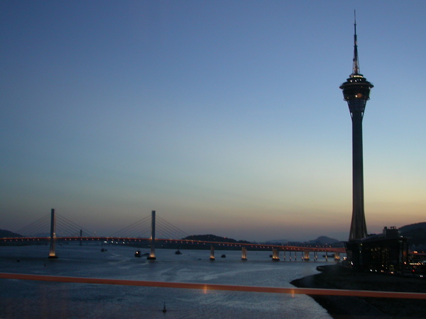 傍晚的澳門旅遊塔