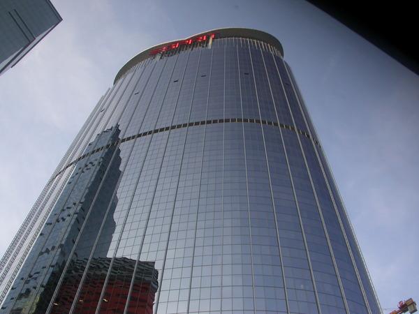 附近的ESPRIT大樓