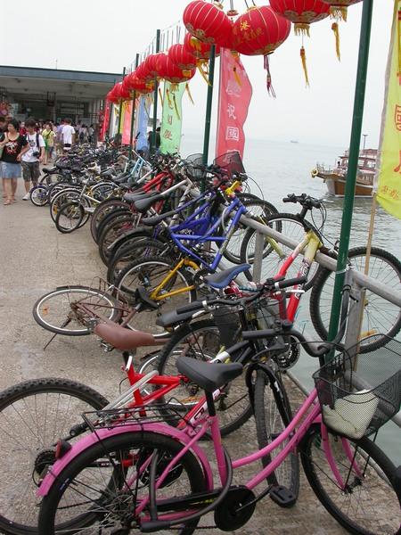腳踏車這樣停呀