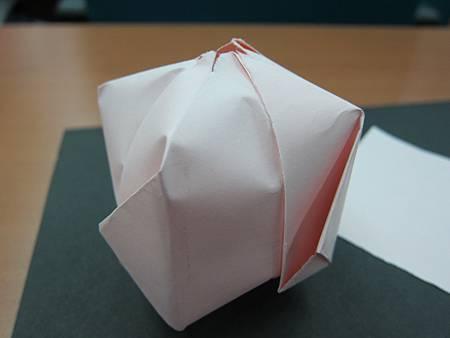 還記得紙氣球怎麼折嗎?