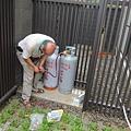 20110902 久違的瓦斯桶...