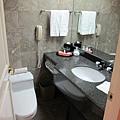 浴室還不算太小